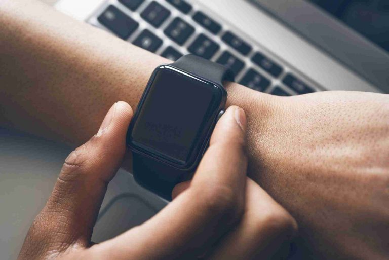 Don't Run Out Of Time!: A Complete Guide to Apple Watch Battery Replacement